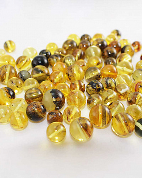 Amber Variegated Balls Of 8 Mm To 10 Mm Second Grade